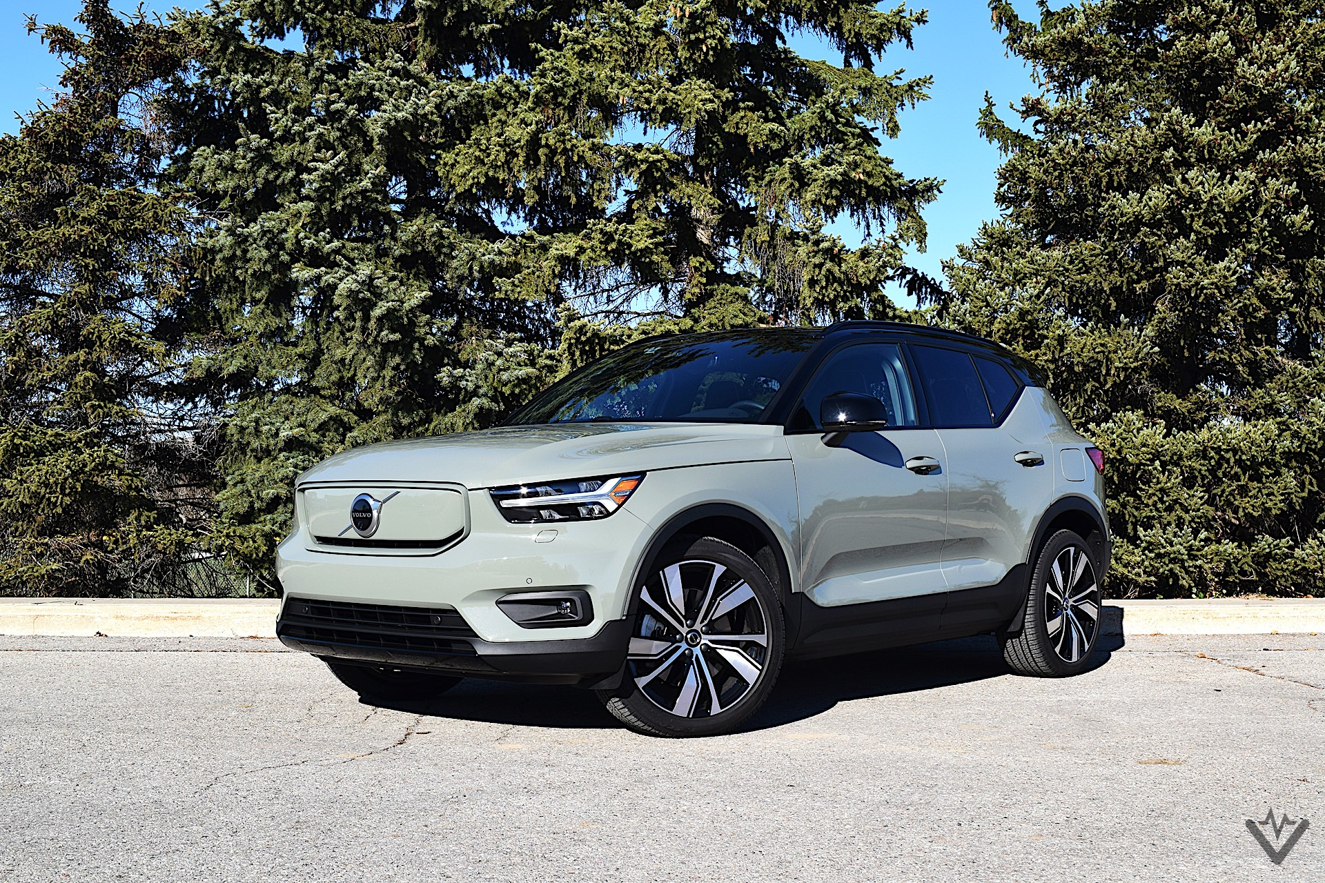 2021 Volvo XC40 Recharge Review Exterior Front 3Q Angle 1