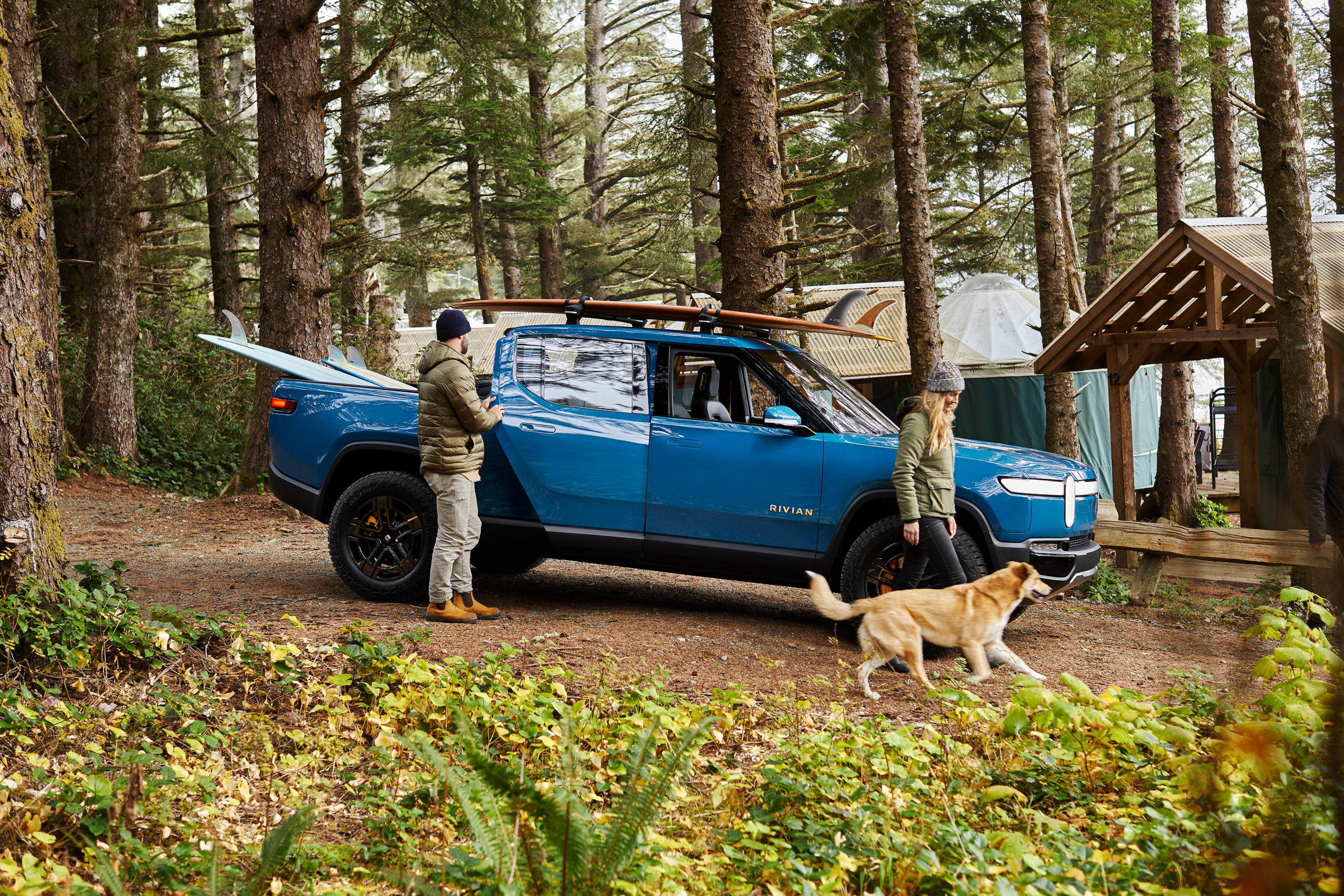 2018 11 Jeff Johnson Rivian R1TBlue BC Static WidePS LS 058A4500 scaled 1