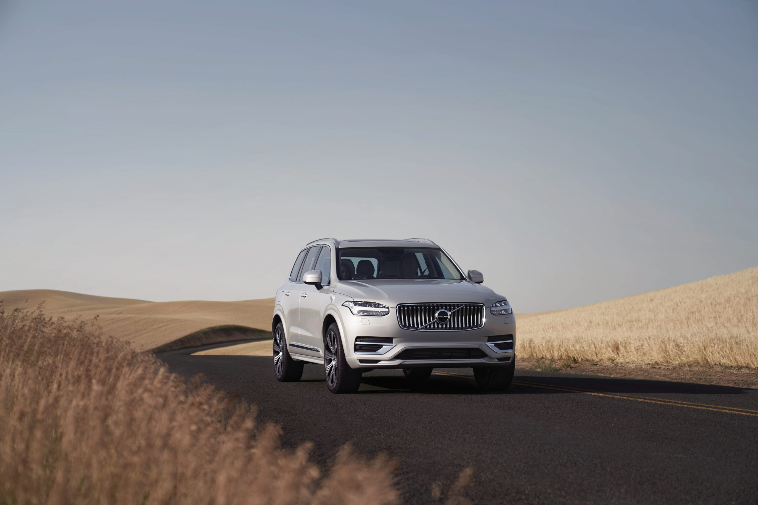 271310 Volvo Cars XC90 Recharged