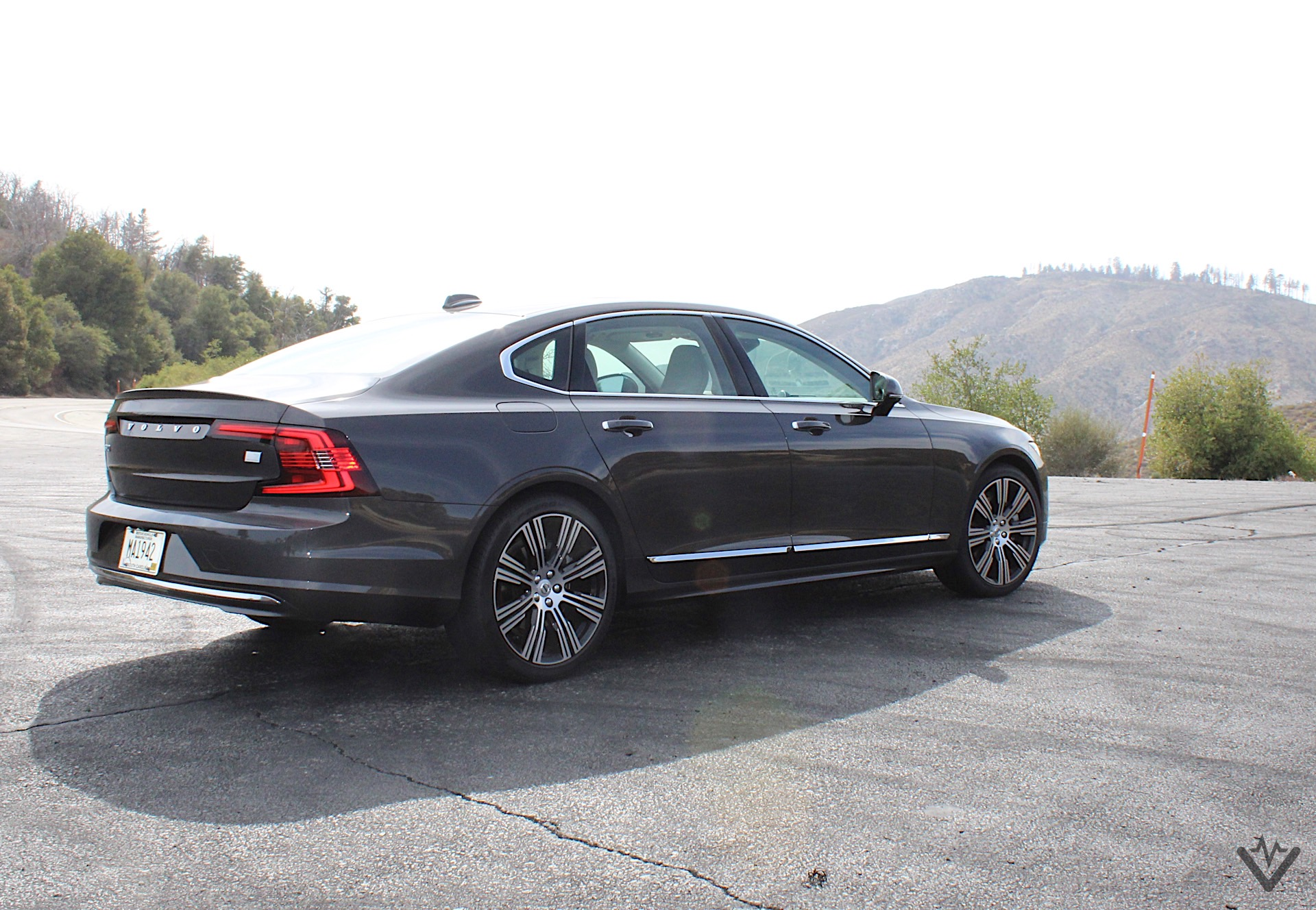 2021 Volvo S90 T8 Recharge rear three quarters 05 1