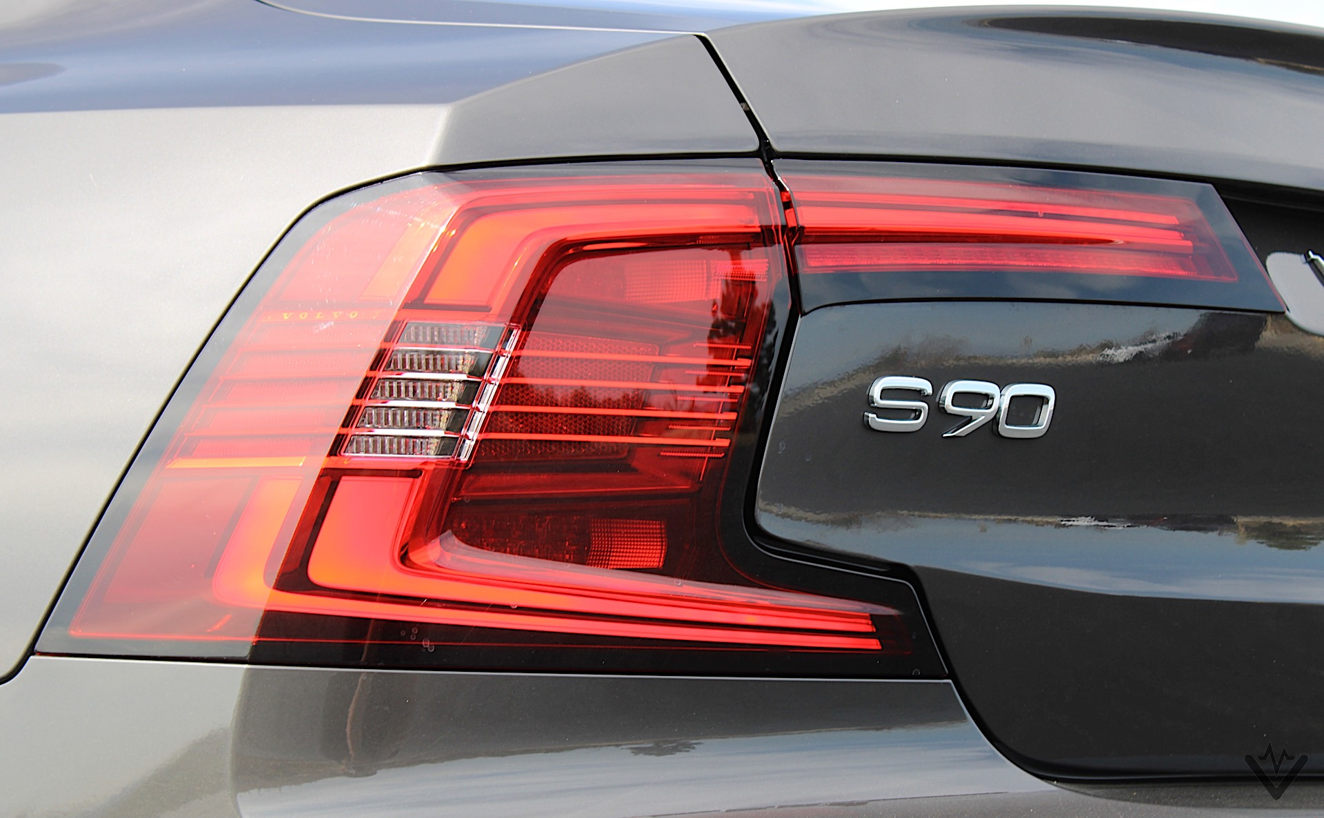 2021 Volvo S90 T8 Recharge taillight 02 1