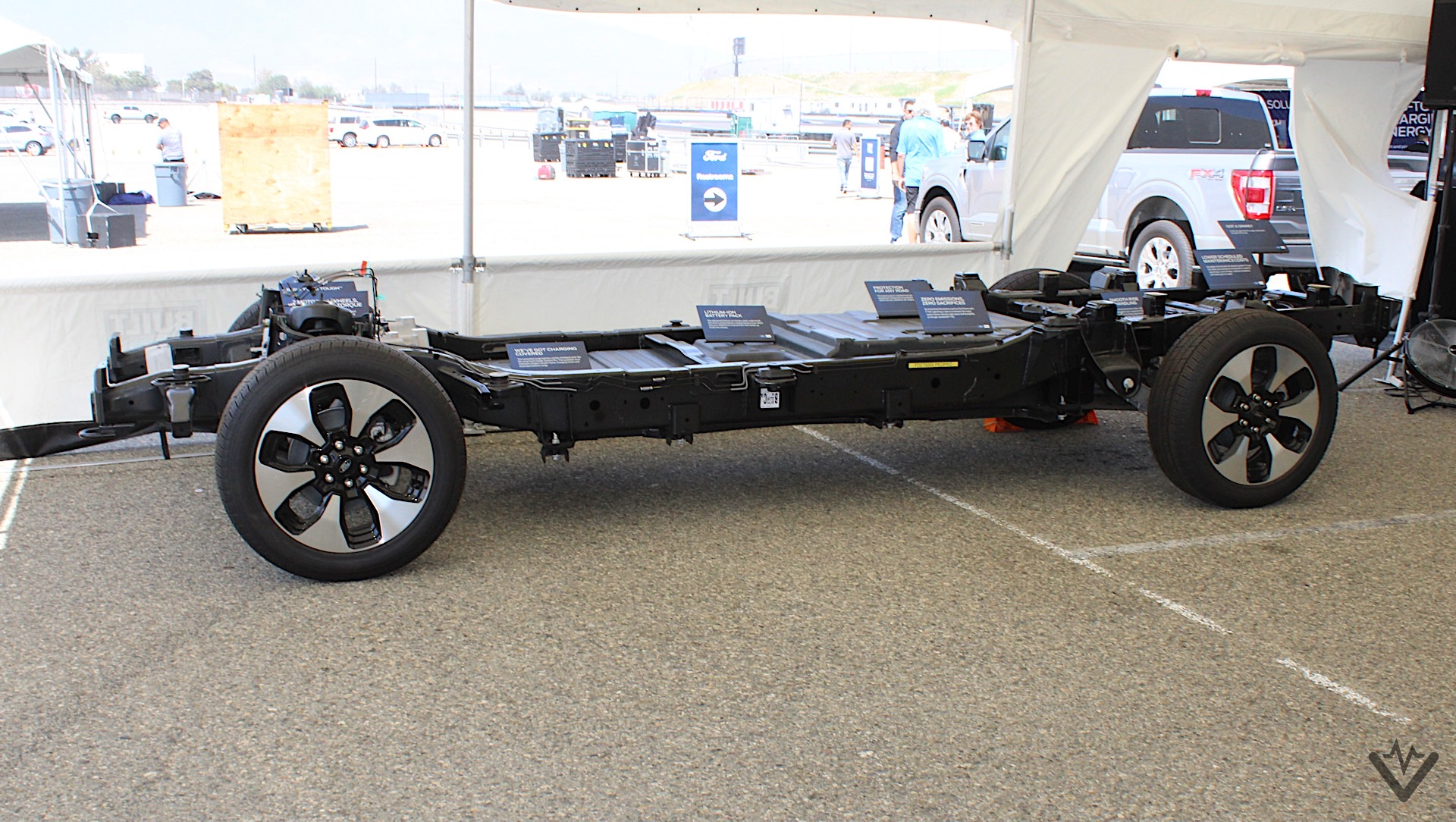 2022 Ford F 150 Lightning XLT chassis cutout 02